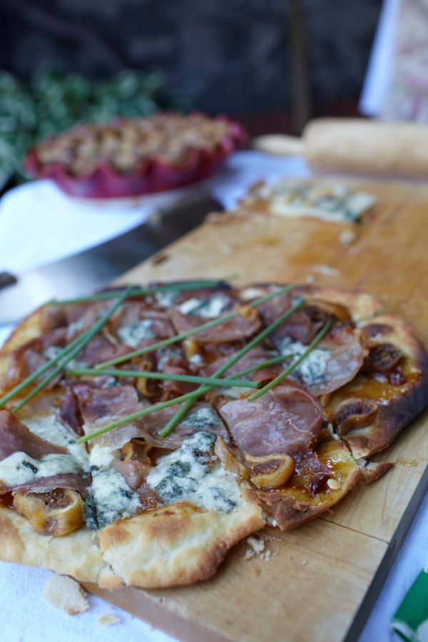 Fig and Prosciutto Pizza with Roquefort and Chive